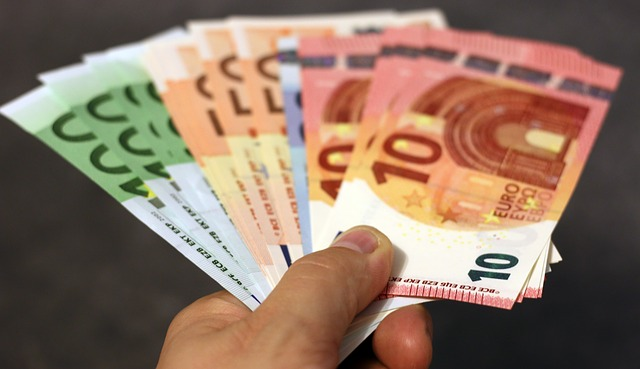 money-1005464_640